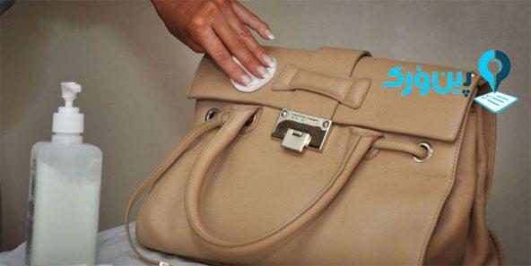 پاک کردن لکه جوهر از روی لوازم چرمی با محلول دست ساز