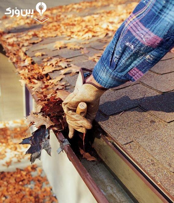 تمیز کردن ناودان پشت بام