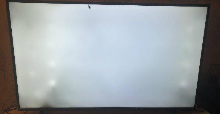 وجود نقاط سیاه رنگ در تصویر تلویزیون